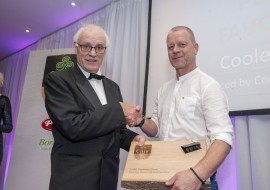 FREE PIC - NO REPRO FEE CÁIS Irish Cheese Awards which took place at the Metropole Hotel, Cork on Nov 7, 2019. Class 20: Public Vote - Coolea Mature. Produced by Coolea Farmhouse Cheese. Louis Grubb, chairman of Cáis presentiing award to Dicly Willems. Pic: Brian Lougheed